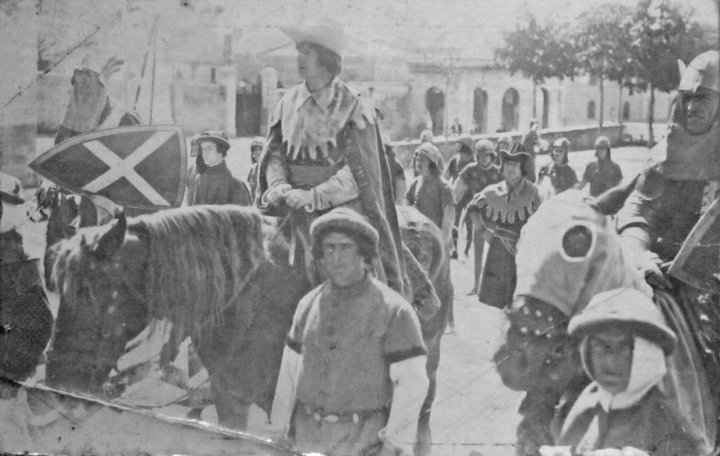 7 agosto 1932: Capitan Silvio Beoni con i giostratori Cangioloni e Tachini in Sant'Agostino